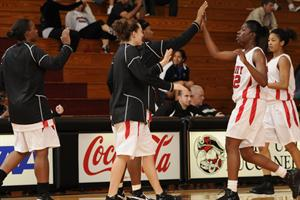 Women's Basketball Flounders Against Tars