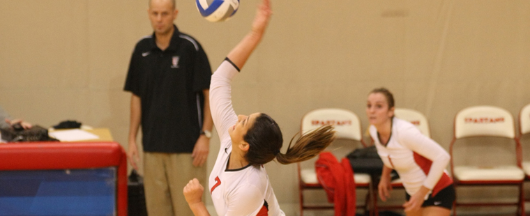 Volleyball Falls In Five Sets To Lynn