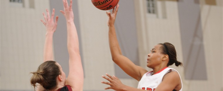 Women's Basketball Muzzles Bulldogs For First Win