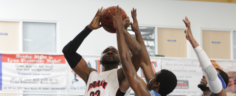 Men's Basketball Spears Tritons
