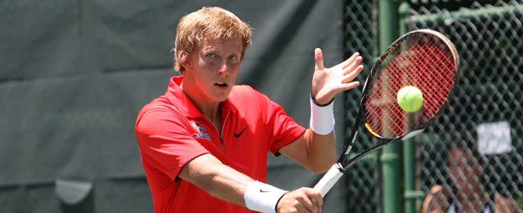 Men's Tennis Flies Through Golden Eagles