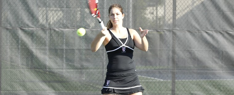 Women's Tennis Puts Minutewomen in Timeout