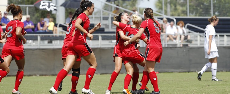 Women's Soccer Falls To 14th-ranked Cougars