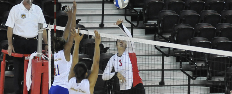 Volleyball Drops Conference Match To Florida Tech