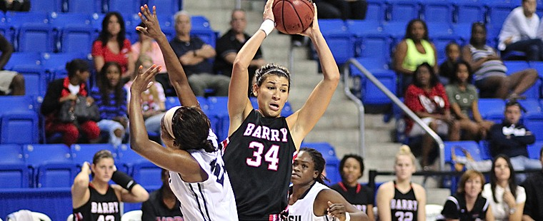 Women's Basketball Sinks Sailfish With Balanced Attack