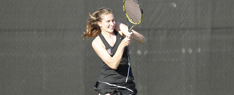 Women's Tennis Wins Pair