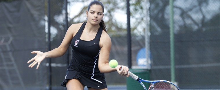 Women's Tennis Sweeps Tampa