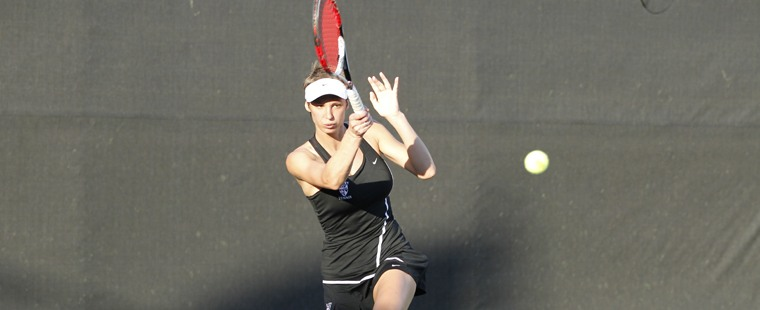 Women's Tennis Takes Down Lynn