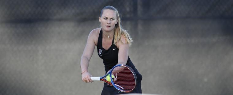 Women's Tennis Rolls Rollins