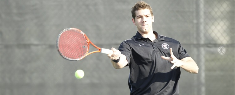 Men's Tennis Sweeps St. Edward's
