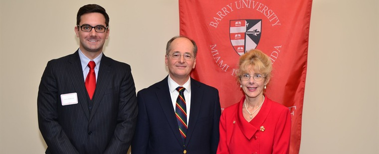Florida Chief Justice Charles Canady speaks to Barry law students and faculty