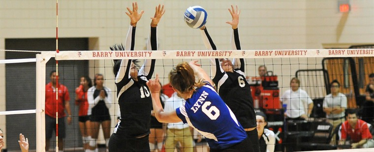 Volleyball Rallies to Knock Off Lynn