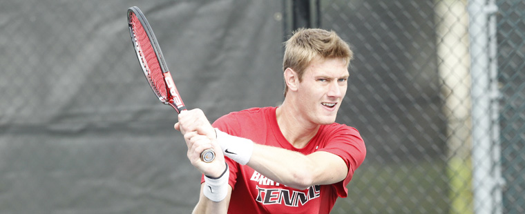Groetsch, Mokrzycki Start Strong for Men's Tennis