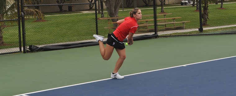 Miro Falls in Women's Tennis Semifinals at Rollins Tournament