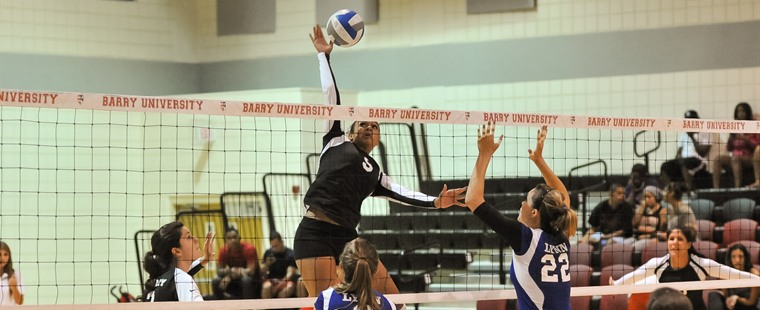 Volleyball Tests Tampa in Four-Set Setback