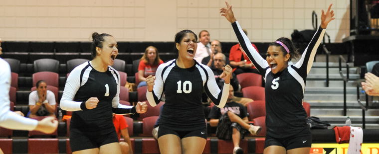Volleyball Crosses Over into South Region Matches