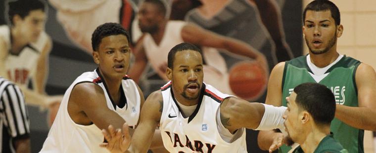 Men's Basketball Hosts No. 18 St. Thomas Friday