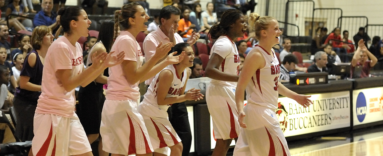 Women's Basketball Hosts Eckerd on Pink Out Day