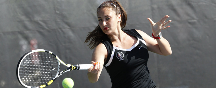 Women's Tennis Gets Battle from Mocs in Win