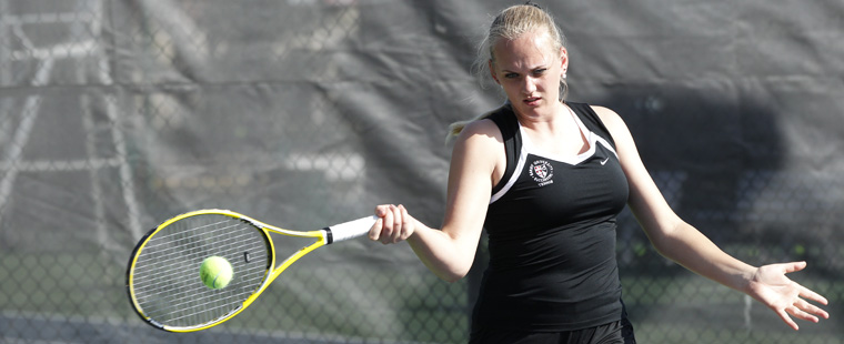 No. 5 Women's Tennis Tames Tritons