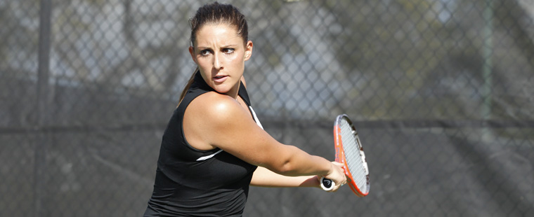 Women's Tennis Takes Down Argos, 7-2