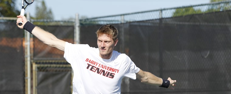 Men's Tennis Shakes Quakers For 10th Win