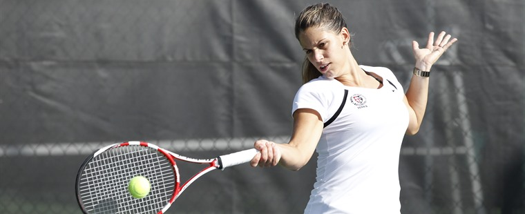 Women's Tennis Rolls Over Hilltoppers