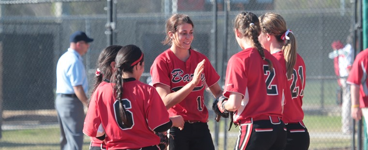 Softball Preps For Weekend Showdown In Tampa