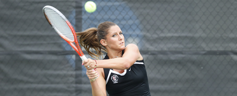Women's Tennis Takes Care of Tars