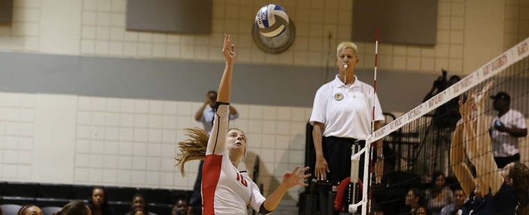 Volleyball Drops Weekend Finale to Lynn