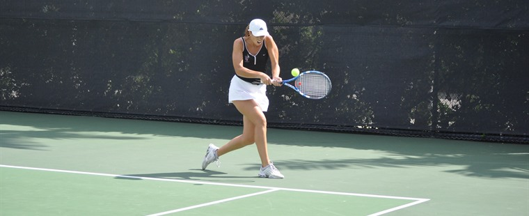Tennis: Valladares' Run Ends in Semifinals