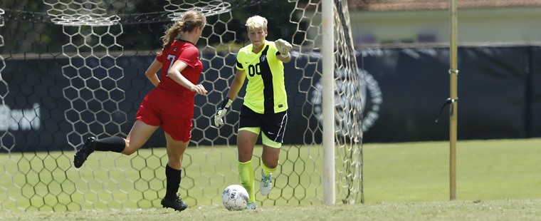 Women's Soccer Ties Panthers