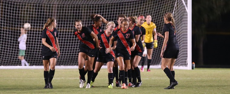 Women's Soccer Shuts Out #13 Tampa To Remain Unbeaten