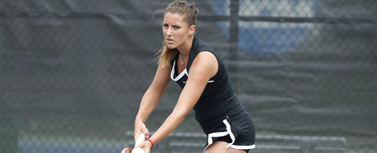 Goia, Valladares Advance to FIU Women's Tennis Finals