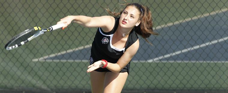 Fritschken, Onila Bow Out in ITA Women's Tennis Indoor Championships