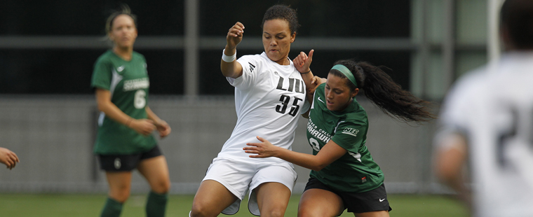 Women's Soccer Newcomer Rayah Seckler Brings International Experience