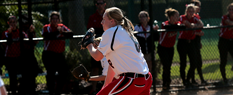 Softball Sweeps Pair On Damp, Cold Day At Eckerd Invite