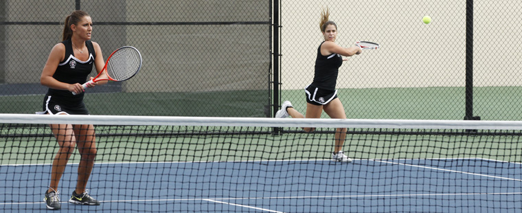 No. 3 Women's Tennis Upsets No. 1 Armstrong