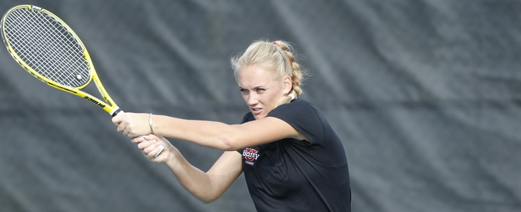 No. 3 Women's Tennis Tames No. 4 Sea Warriors