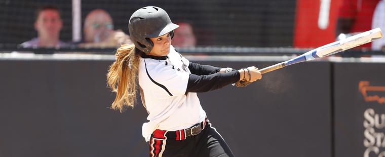 Softball Sweeps Panthers To Take Series