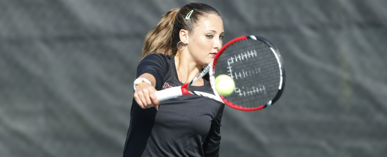 Women's Tennis Spears Sea Warriors in NCAA Semis