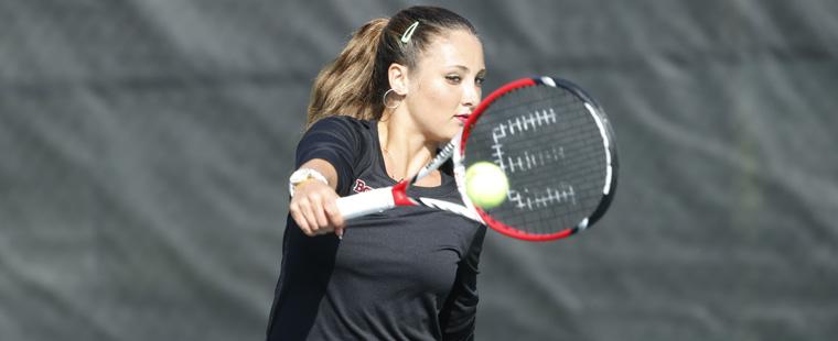 Women's Tennis Spears Sea Warriors in NCAA Semis