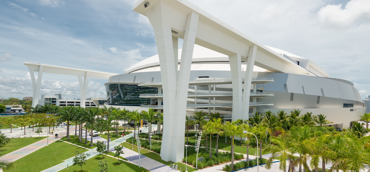 MBA and MS students visit the Marlins Park Stadium