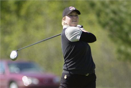 Former Women's Golfer Hutton Returns For Another Barry First