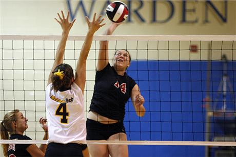 Volleyball Nipped By Panthers