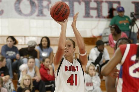 Women's Basketball Continues Winning Ways