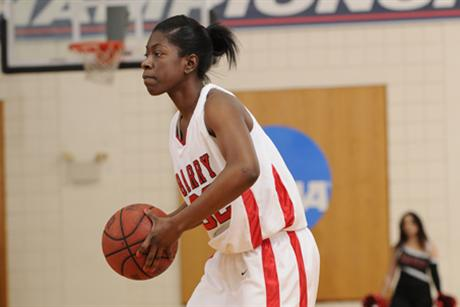 Women's Basketball Edges Eckerd 48-45