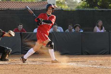 Softball Rolls Over Gators to Reach Semifinals