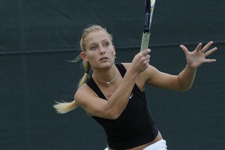 Women's Tennis Stomps Spartans