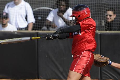 Softball Completes SSC Sweep of Lynn
